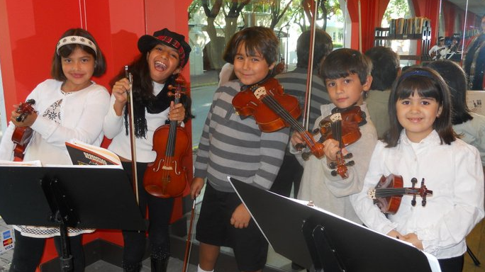 Discovery Strings from age 5 for beginners – 10-week session – CLOSED!